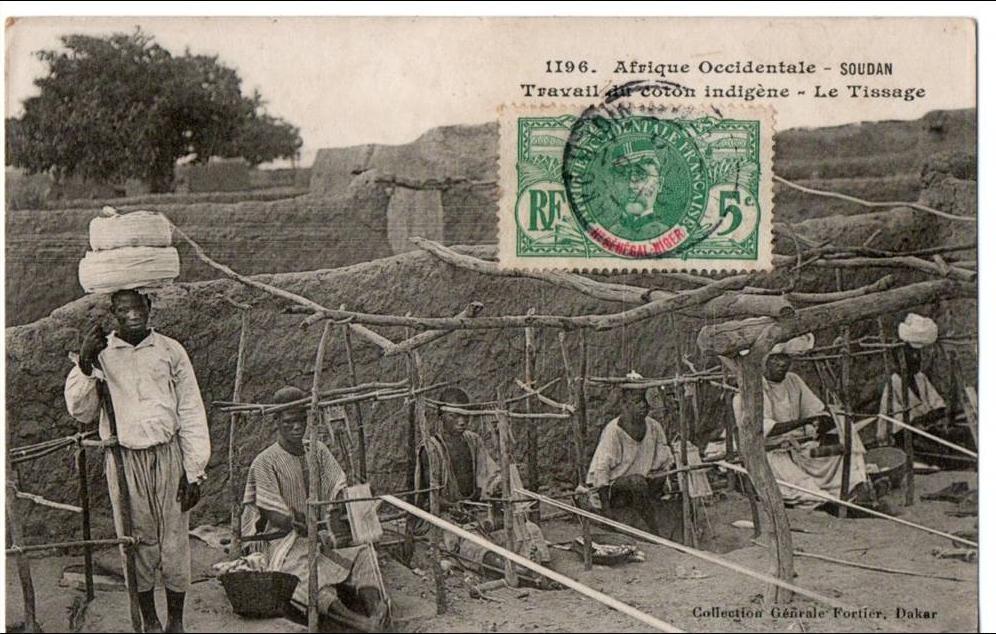 -  SOUDAN . A. O. F. - TRAVAIL DU COTON INDIGÈNE - LE TISSAGE - (n752) -