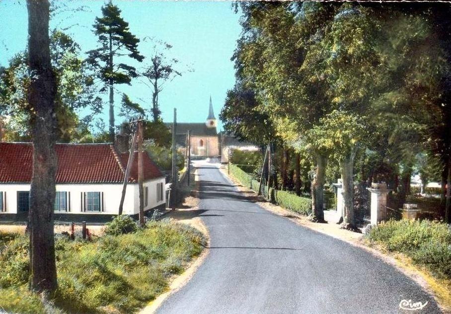 Hardinghen - Le mont Poulain ou rue de l'église