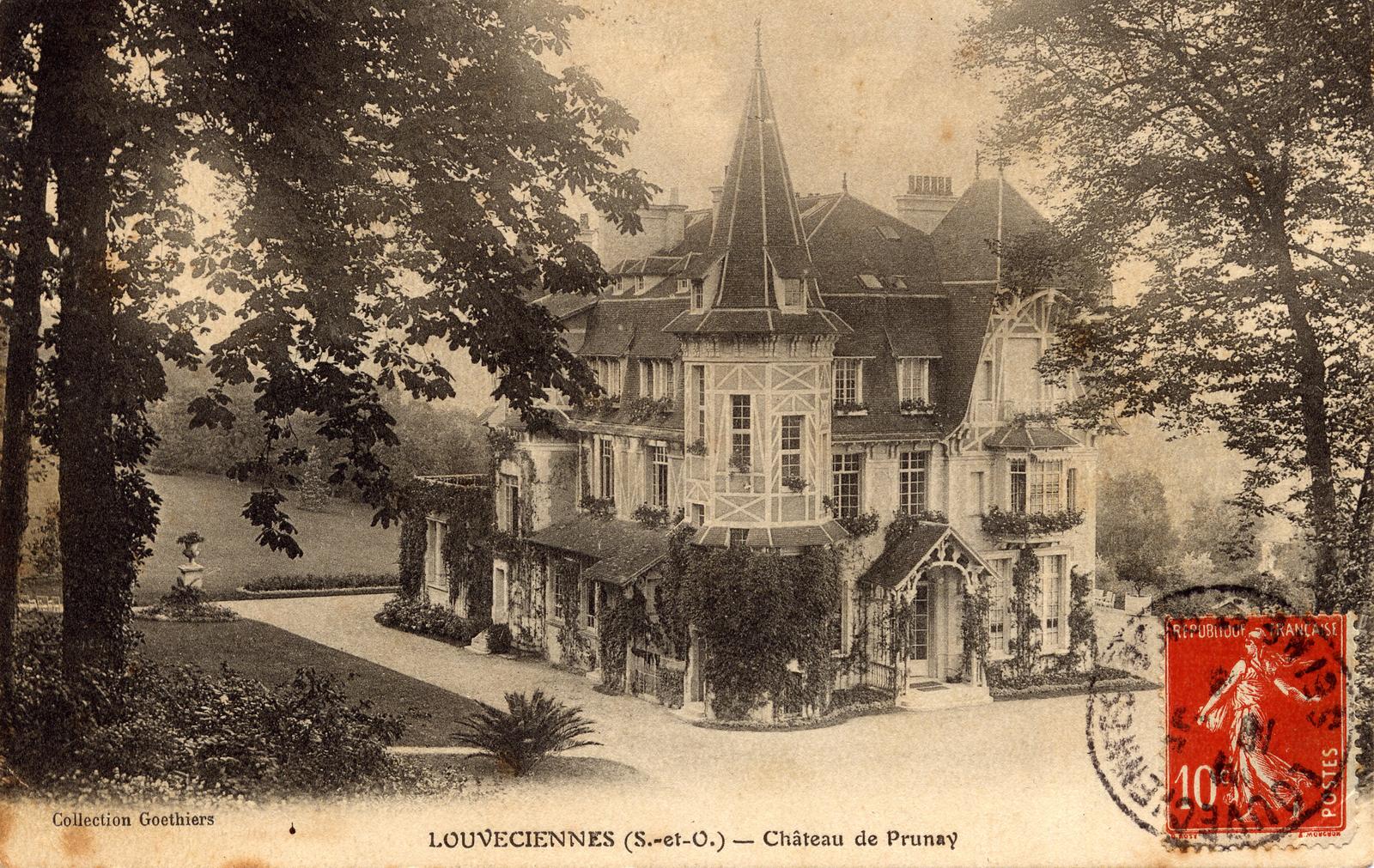 Louveciennes - CHÂTEAU DU PRUNAY : Le domaine dépend d'abord du roi, puis de la propriétaire du château des Lions au Port-Marly. Il appartient en 1775 à l'anglais Lord Seymour, qui fut un temps l'amant de Mme du Barry, sa voisine de Louveciennes.     Un plan de J.B Parents datant de 1739 indique qu'à cette époque le château comprend une orangerie, un nymphée et des pièces d'eau. Il possède également tout un complexe agricole organisé autour d'une ferme et de son colombier. Le château est ensuite détruit, à la fin du XIXème siècle, et il est remplacé par une grande demeure à l'architecture élaborée.
