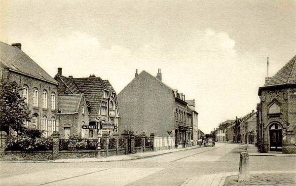"""Ploegsteert - Ploegsteert """" La rue de Warneton """""""