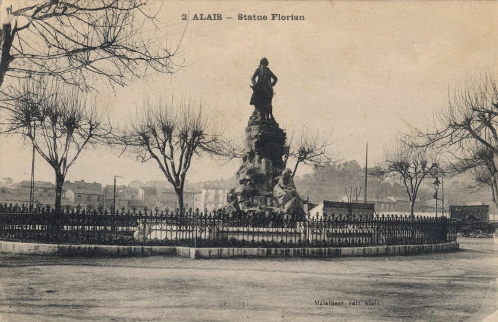 Alès -  Alès (Alais) monument à Jean-Pierre Claris de Florian édifié en 1896 place de la République. En 1942 : fonte de la statue et du cartouche sous le régime de Vichy. Seuls Estelle et Némorin subsistent. (voir www.e-monumen.net pour plus de renseignements). cp de E. Larguier à la famille Eble.