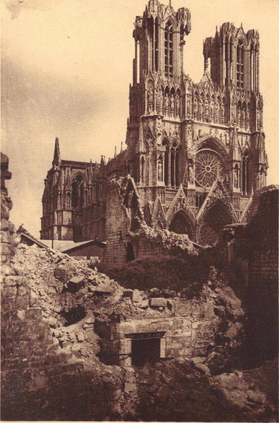 Visite à la cathédrale de Reims - Anna de Noailles Large