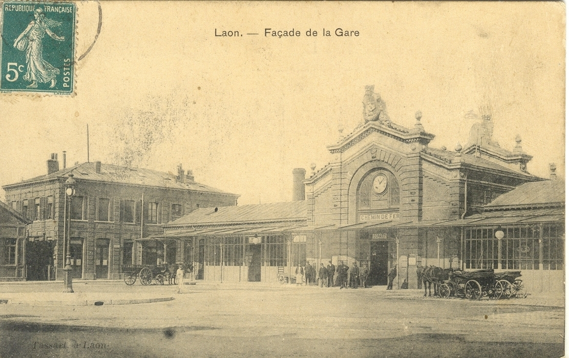 Genealogie30 : La gare de Laon