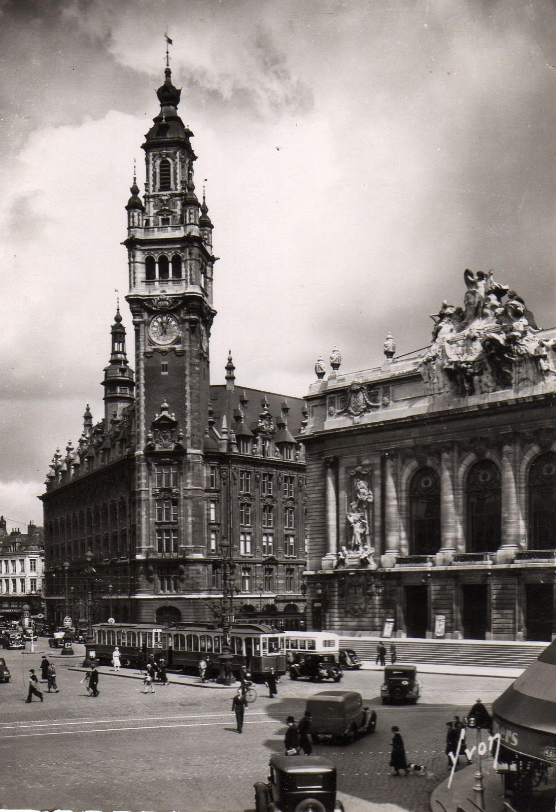 Lille -  La nouvelle Bourse et le théatre