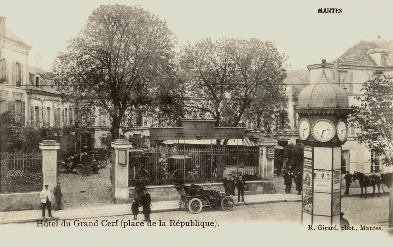 Mantes-la-Jolie -  L'Hôtel du Grand Cerf (4eme vue).