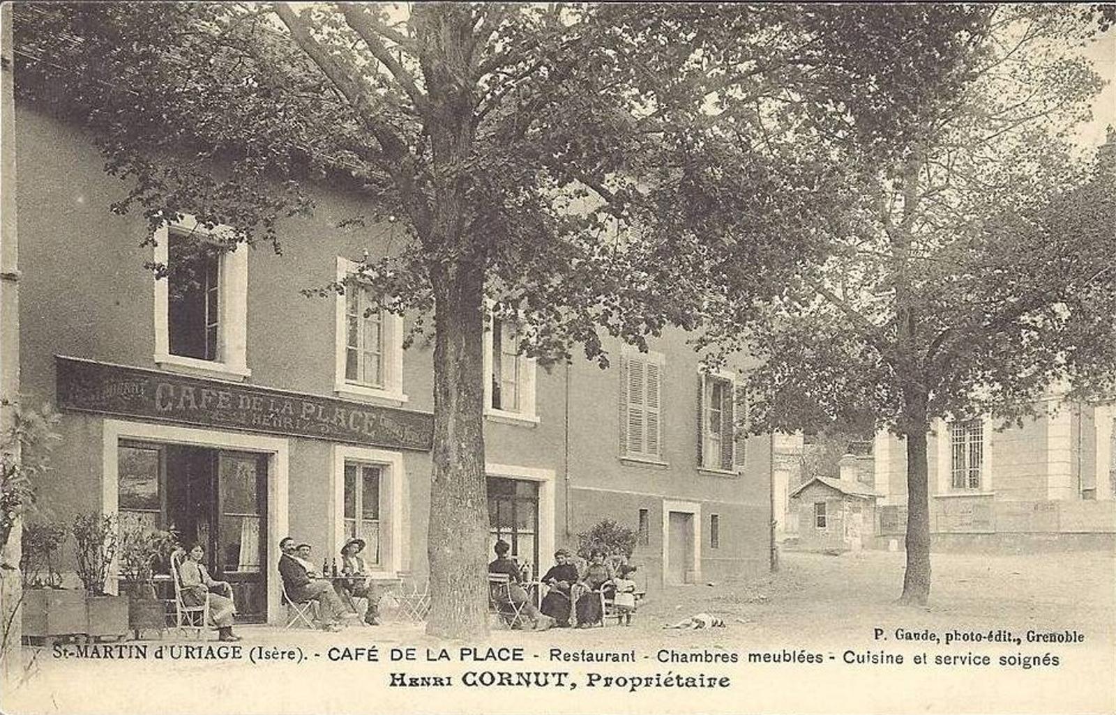 Bibliothèque Saint Martin D Uriage saint-martin-d'uriage - café de la place - carte postale