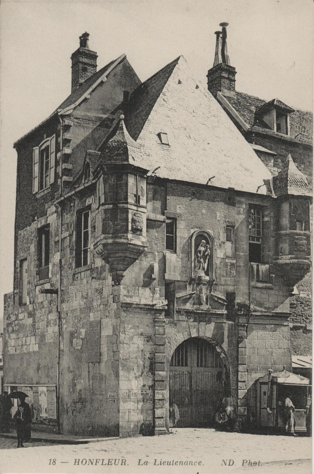 Honfleur - Carte postale ancienne et vue d'Hier et Aujourd'hui - Geneanet