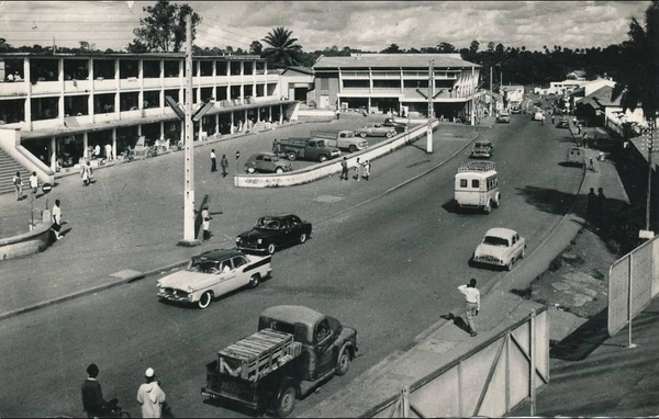 Yaoundé - AFRIQUE - CAMEROUN - YAOUNDÉ  - Le Marché