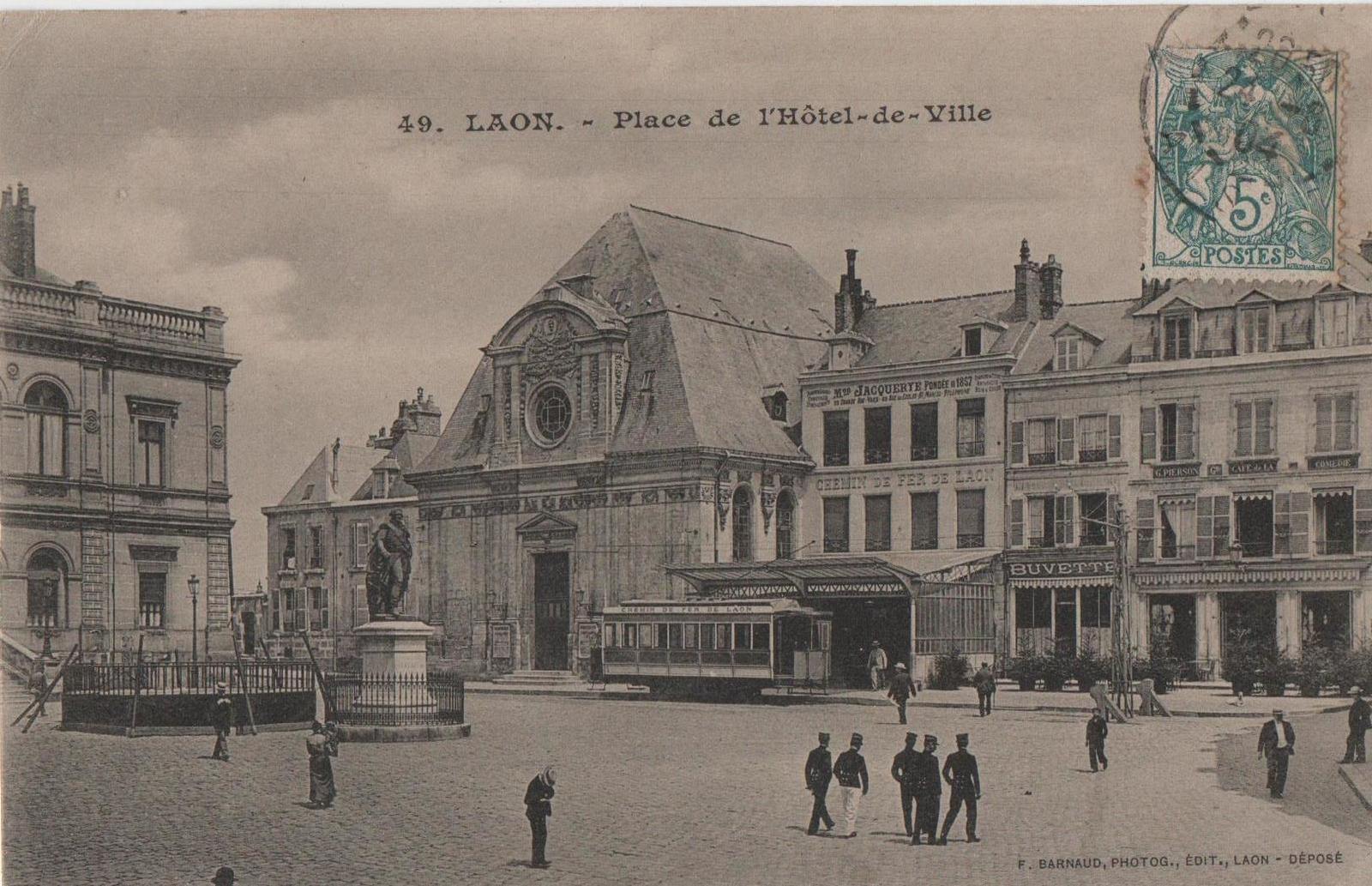 Laon -  Hôtel de ville