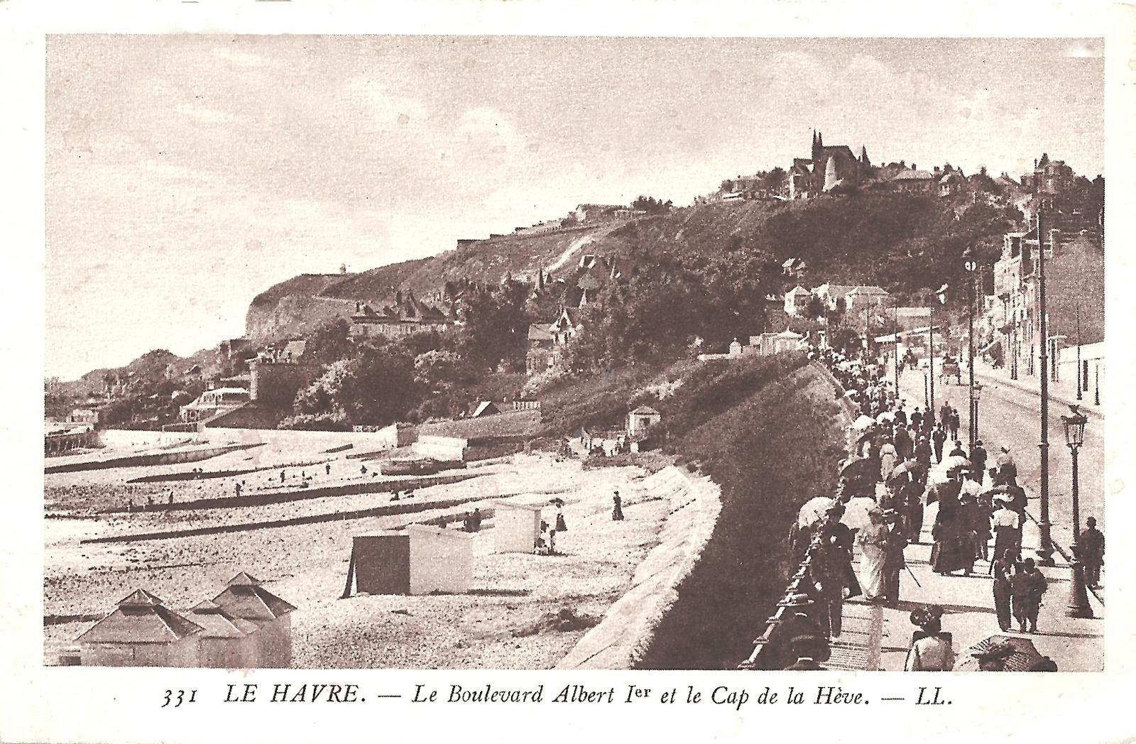 Le Havre - Le Boulevard Albert 1er et le Cap de la Hève