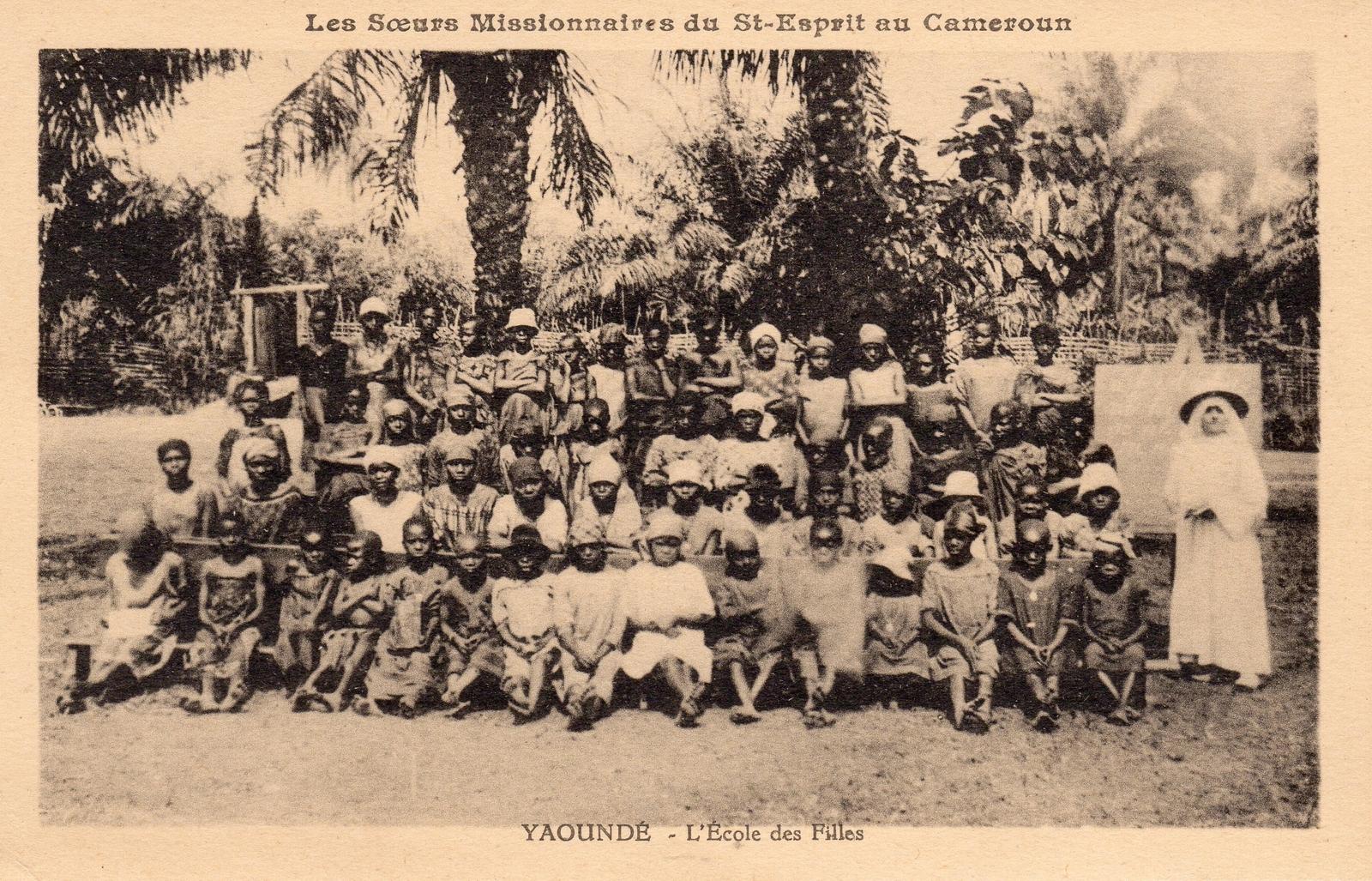 Yaoundé -  Les Soeurs Missionnaires du Saint Esprit L'école des filles