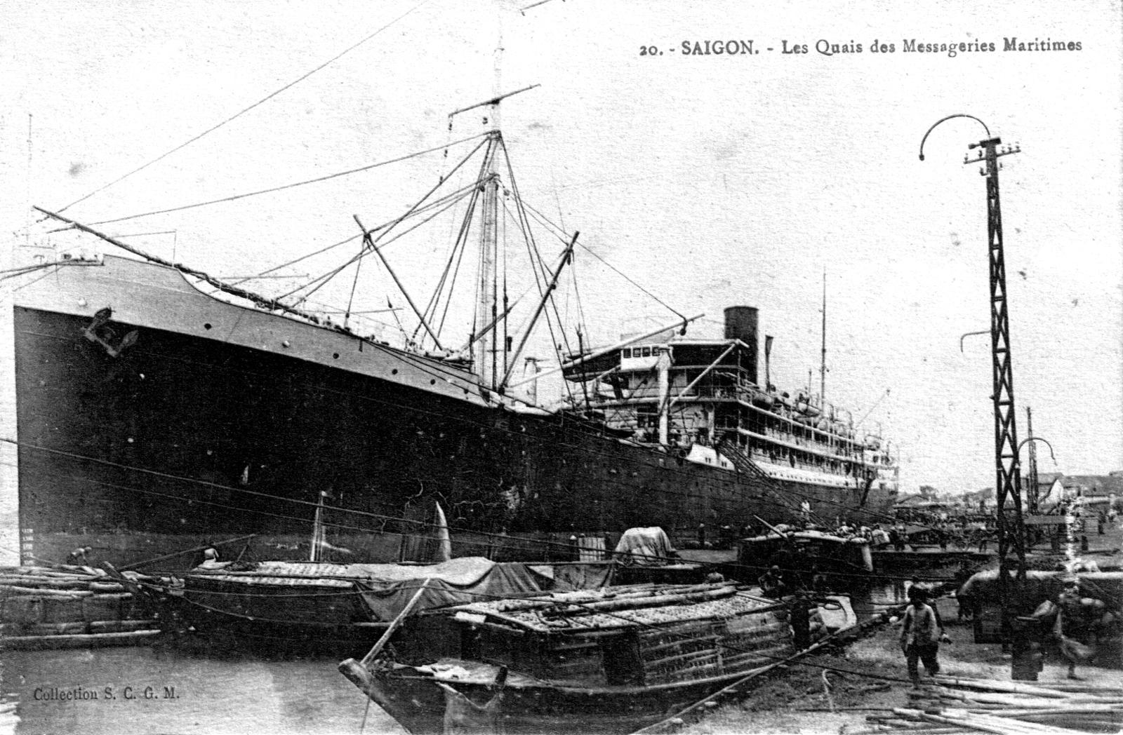 Saïgon -  Vue sur les quais des Messageries maritimes vers 1925 à Saïgon