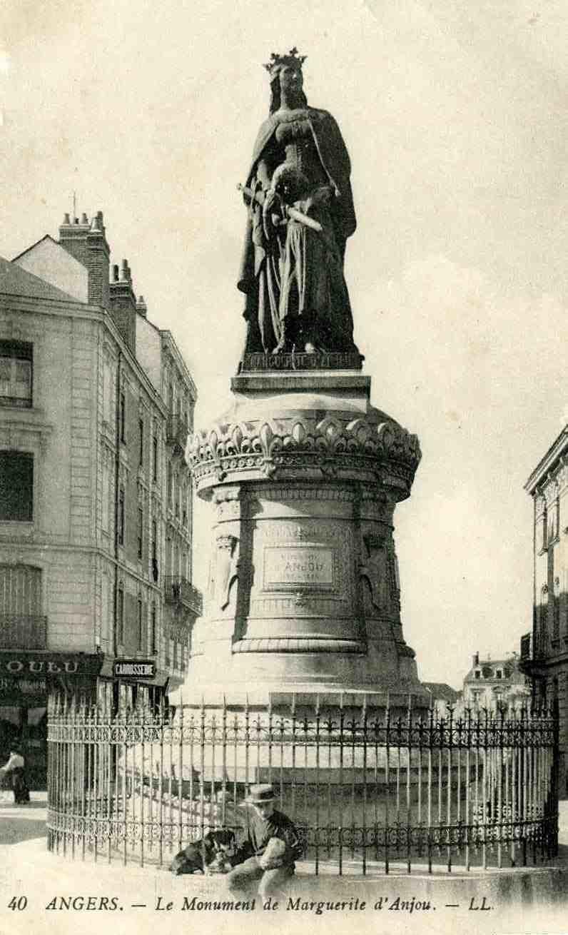 Angers - Angers - Le monument de Marguerite d'Anjou