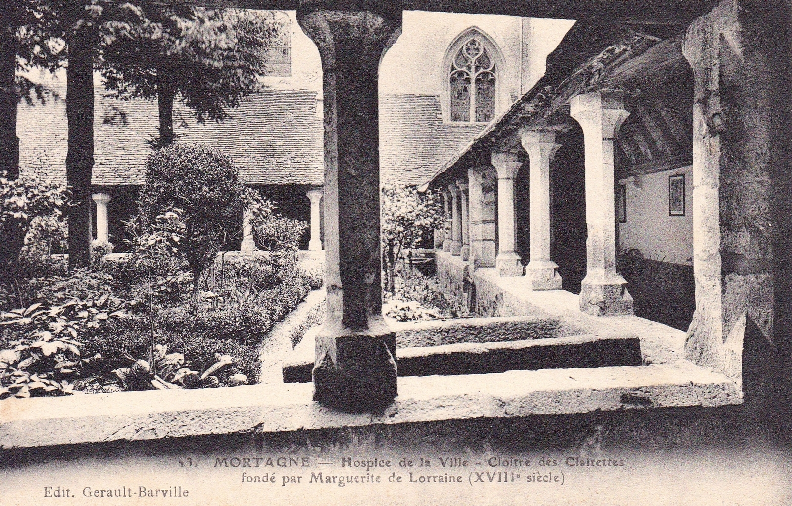 Mortagne-au-Perche - Mortagne hospice de la ville cloitre des clairettes fondé au XVIII ème par Marguerite de Lorraine