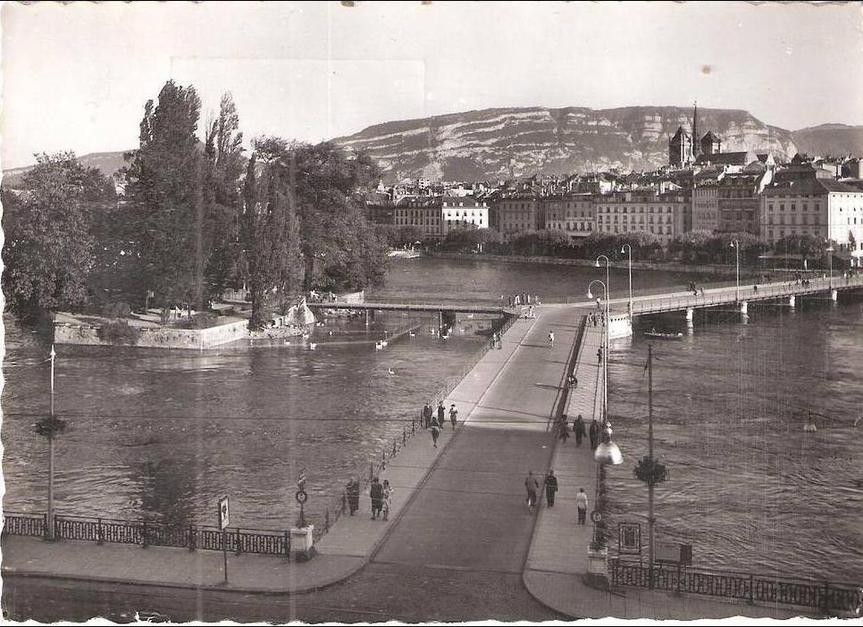 Genève - Geneve - Ile Rousseau et Pont des Bergues um 1950