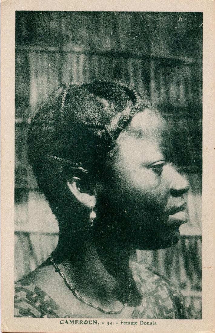 -  Femme Douala.