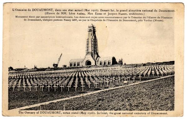 Fleury-devant-Douaumont - Ossuaire de Douaumont et le cimetière national en 1928 ( carte déposée par amchandler ).