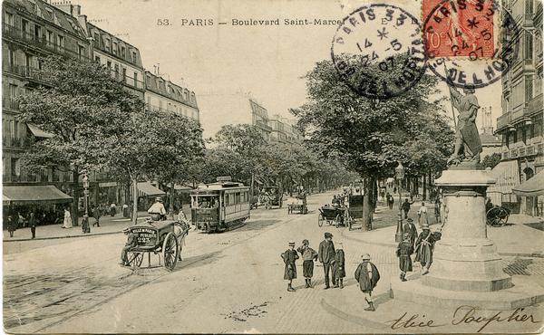Paris - Boulevard Saint Marcel - Paris 5° et 13° arrondissements , angle de la rue Jeanne d'Arc, statue de Sainte Jeanne d'Arc