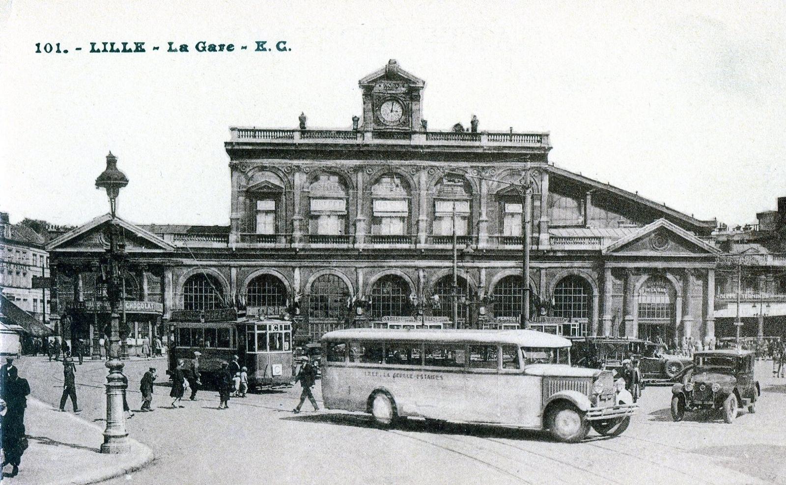 Lille - Lille : La gare - Carte postale ancienne et vue d'Hier et Aujourd'hui - Geneanet