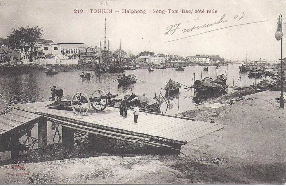-  TONKIN - Haîphong - Sang Tom Bac , côté rade
