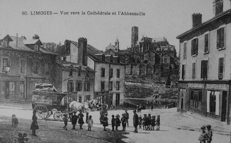 Limoges - Vue vers la Cathédrale et l'Abbessaille