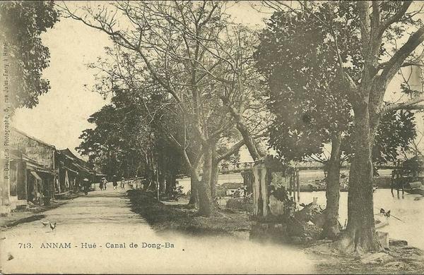 Hué - N 713 ANNAM  HUE CANAL DE DONG BA  TIRAGE 1900
