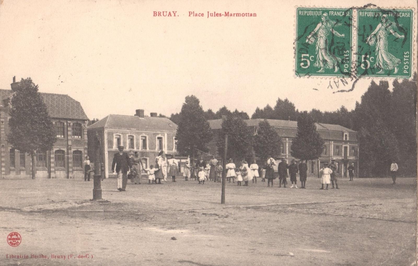 Bruay-la-Buissière - Place Jules Marmottan