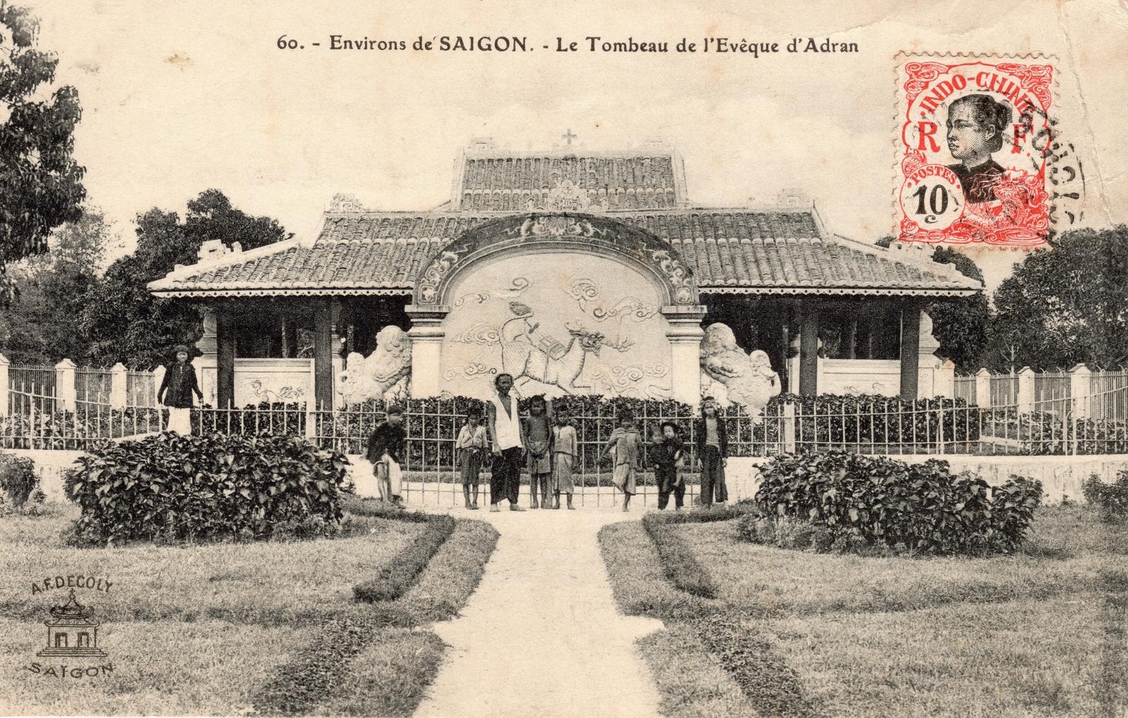 Environ de Saïgon -  Environ de Saïgon-Le Tombeau de l'Évêque d'Adran