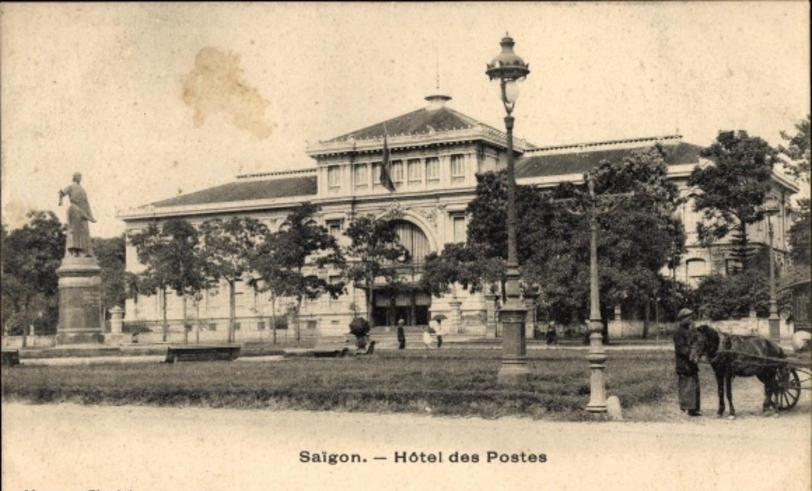 Hô Chi Minh-Ville -  Cp Saigon Cochinchine Vietnam, Hotel des Postes, Stadtansicht, Straßenpartie