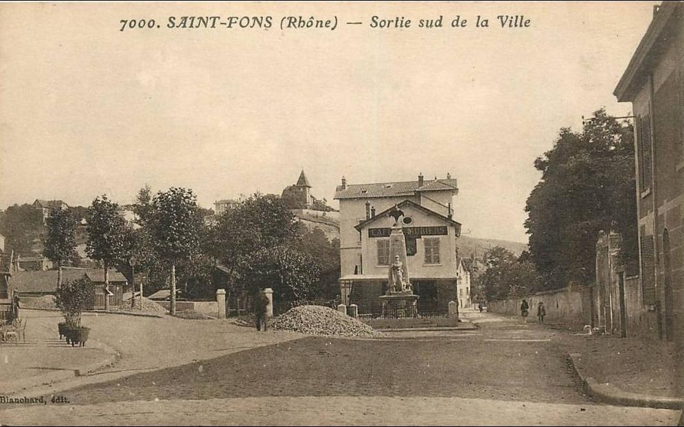 Saint-Fons -  SAINT FONS . SORTIE SUD DE LA VILLE .ANIMEE .