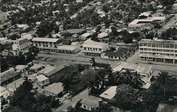 Douala - AFRIQUE - CAMEROUN - DOUALA - Avenue R. Poincaré