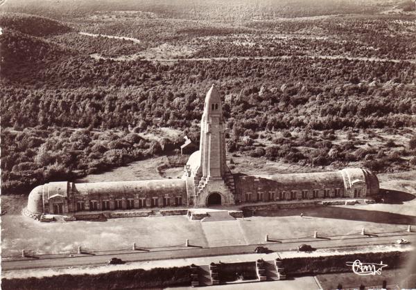 Fleury-devant-Douaumont - Vue Aérienne.L'Ossuaire de Douaumont.Bataille de Verdun.