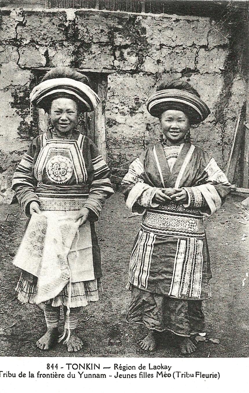 -  Tonkin-Région de Laokay-Tribu de la frontière du Yunnam-Jeunes filles Méo (Tribu Fleurie)
