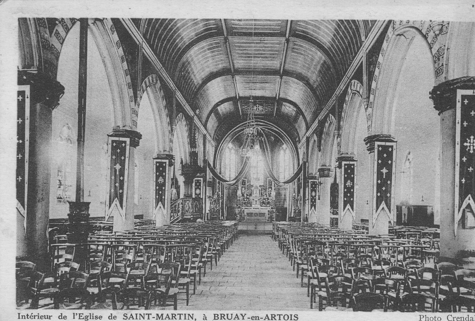 Bruay-en-Artois -  Intérieur de l'Eglise de SAINT-MARTIN, à BRUAY-en-ARTOIS / Photo CrendalPas de N°.