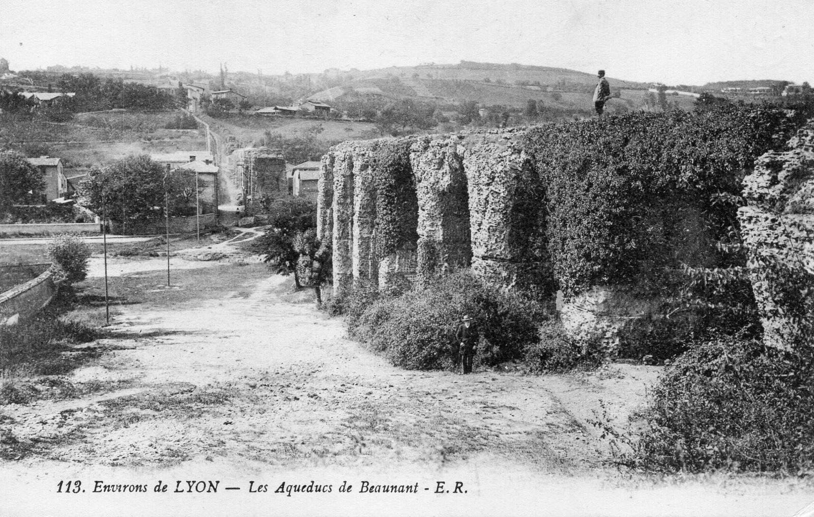 Bibliothèque Ste Foy Les Lyon sainte-foy-lès-lyon - rhÖne environs de lyon : les aqueducs
