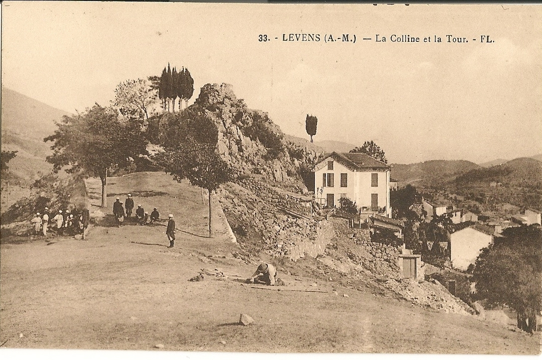 Levens - Levens - la Colline et la Tour bien avant la construction de la piscine municipale