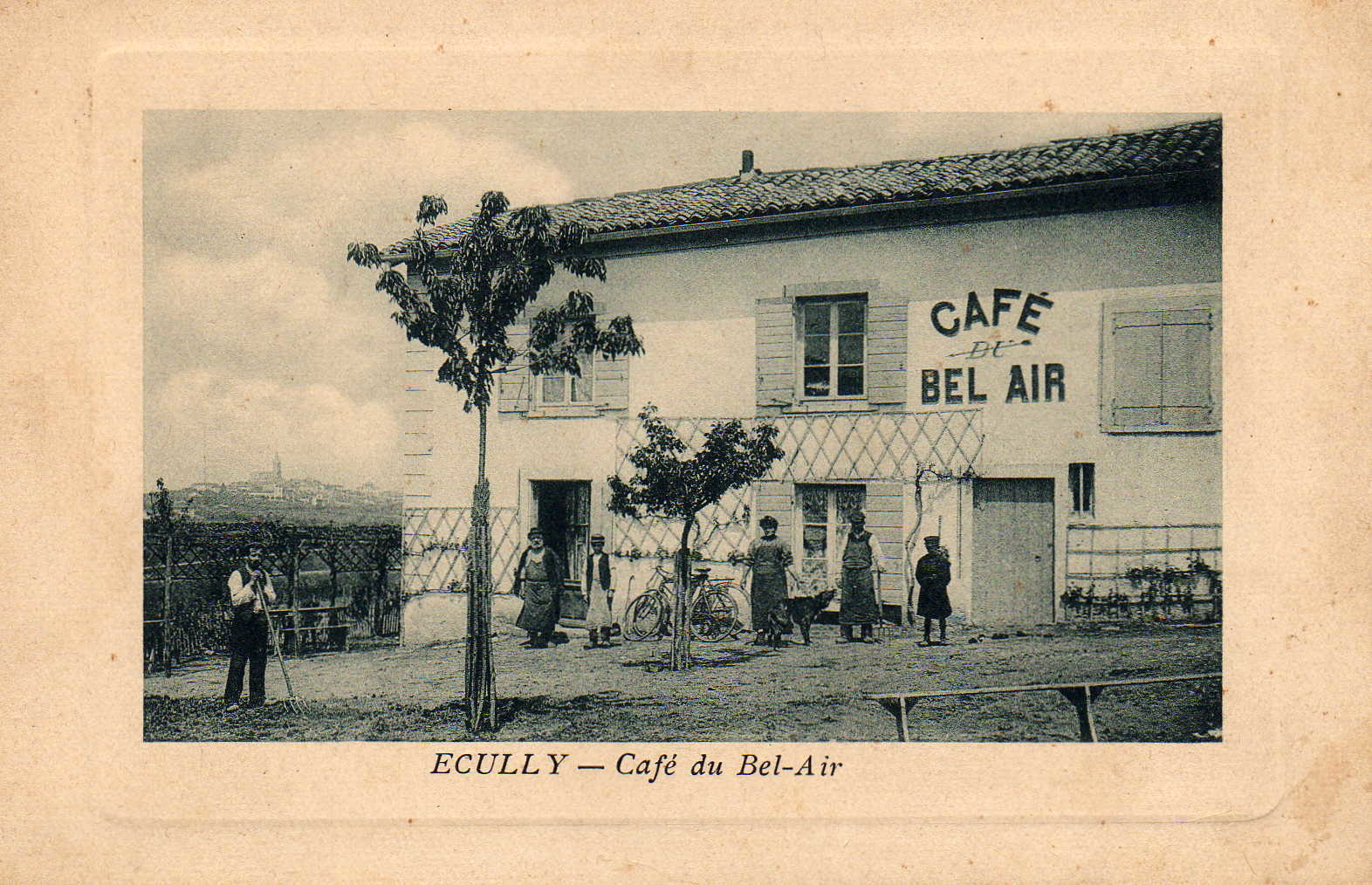 Ecully - Le Café du Bel-Air