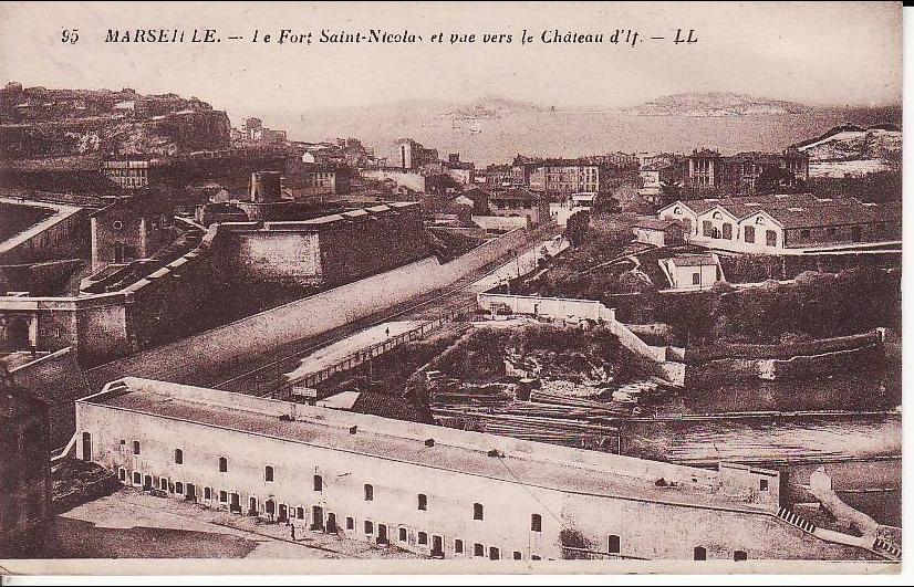 Marseille -  MARSEILLE : fort St Nicolas vue vers château d'If, cachet ovale de censure de St Sulpice, circulé 1942 (13/84) 2