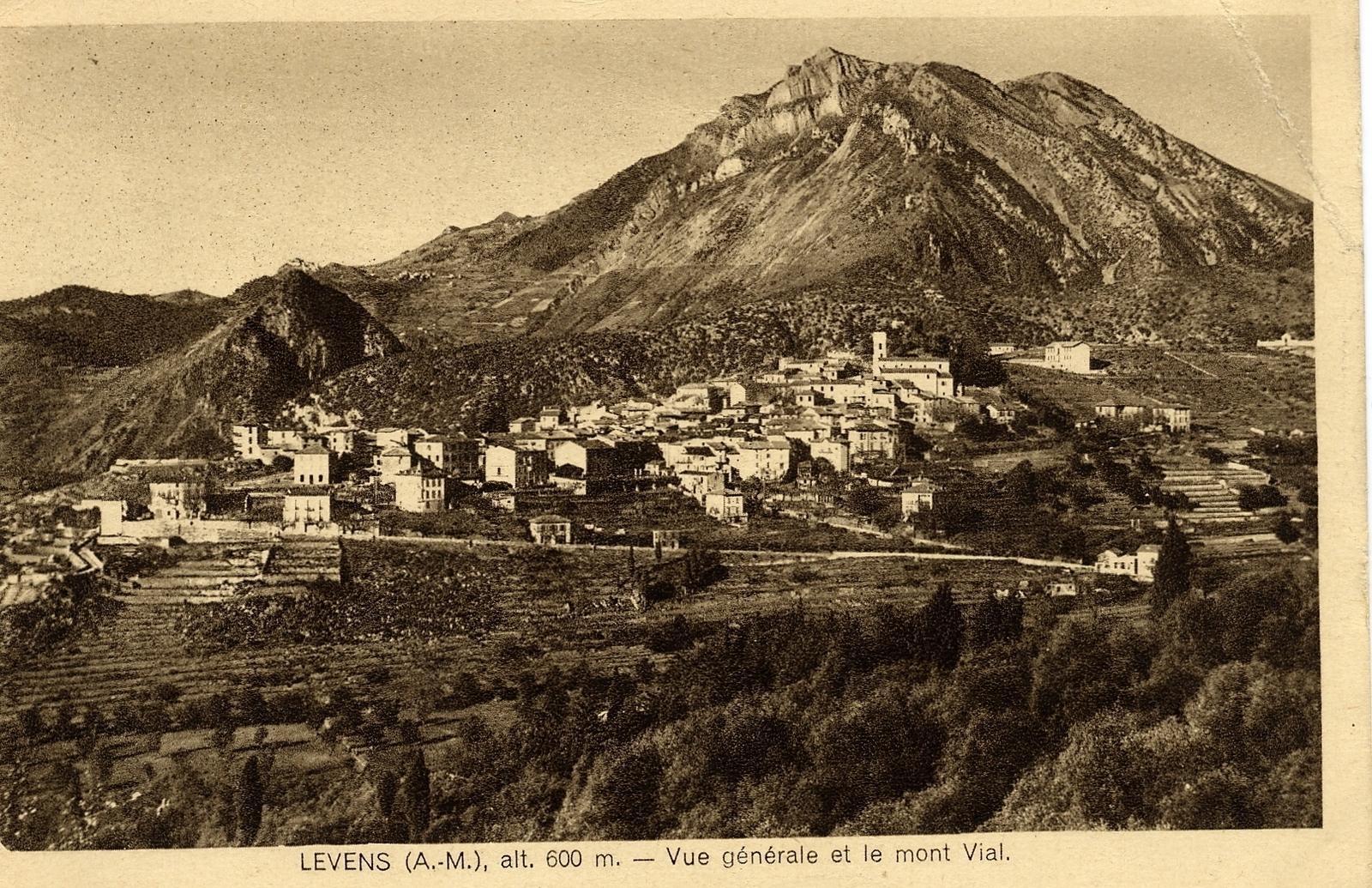 Levens - Levens - vue générale et le mont Vial