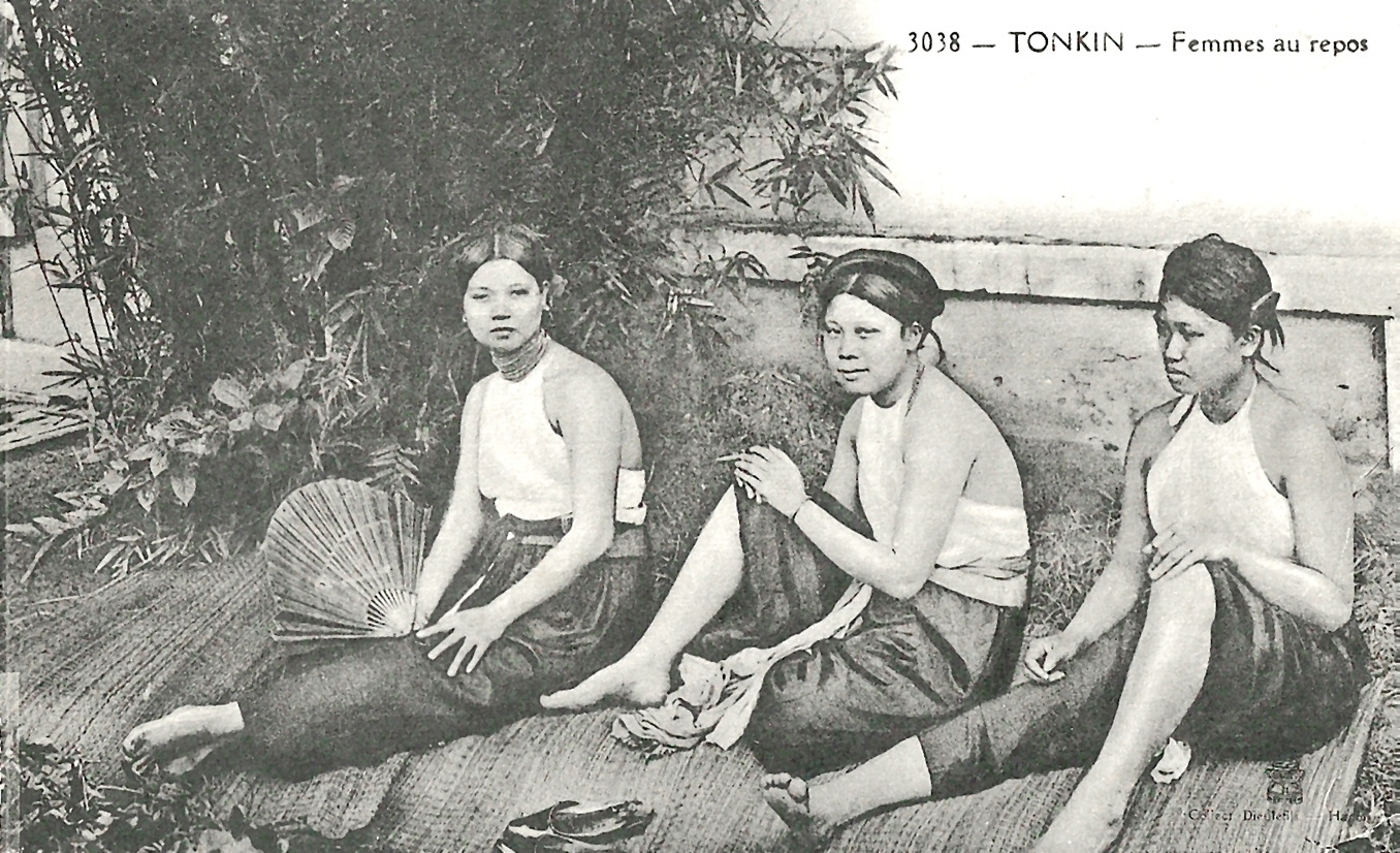 -  Tonkin-Femmes au repos