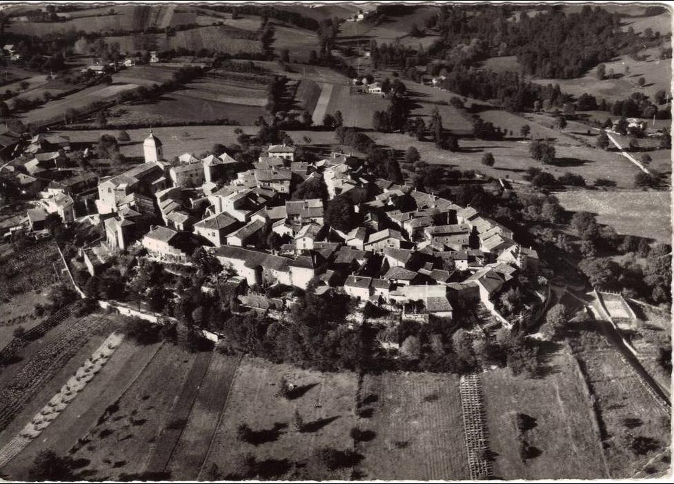 Pérouges - Cité de PEROUGES Vue générale aérienne