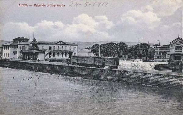 Arica - Estación y esplanada.