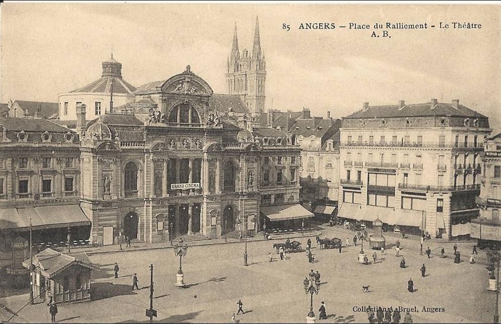 Angers -  ANGERS- place du ralliement le theatre 47