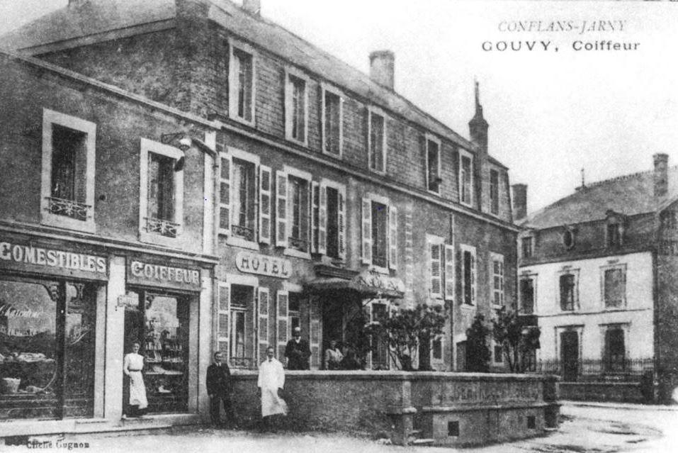 Conflans-en-Jarnisy - CONFLANS-en-JARNISY (54), Rue Carnot,  le coiffeur GOUVY vers 1900 à été replacé vers 1946 par Mr VAILLANT.