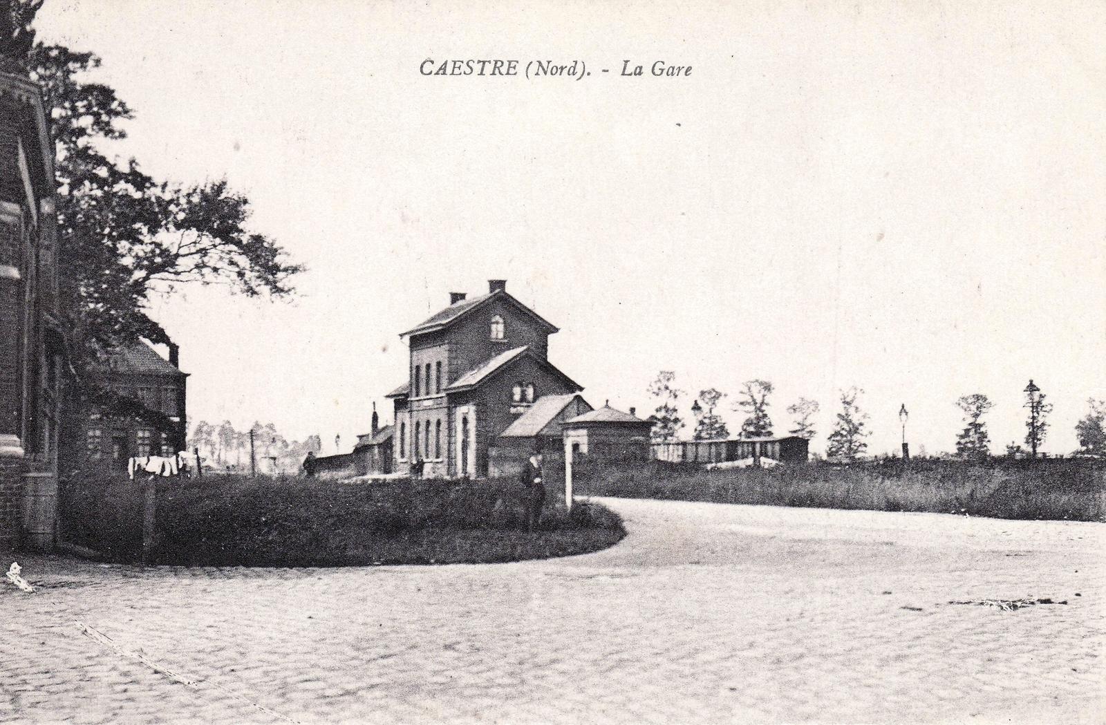 Caëstre - La gare - Carte postale ancienne et vue d'Hier et Aujourd'hui -  Geneanet