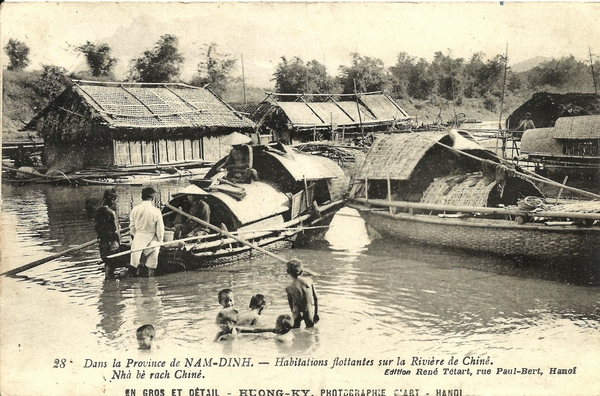 Nam-Dinh - Province de Nam-Dinh-Habitations flottantes sur la rivière de Chiné