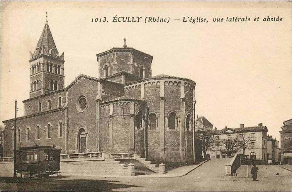 Ecully - ECULLY EGLISE VUE LATERALE