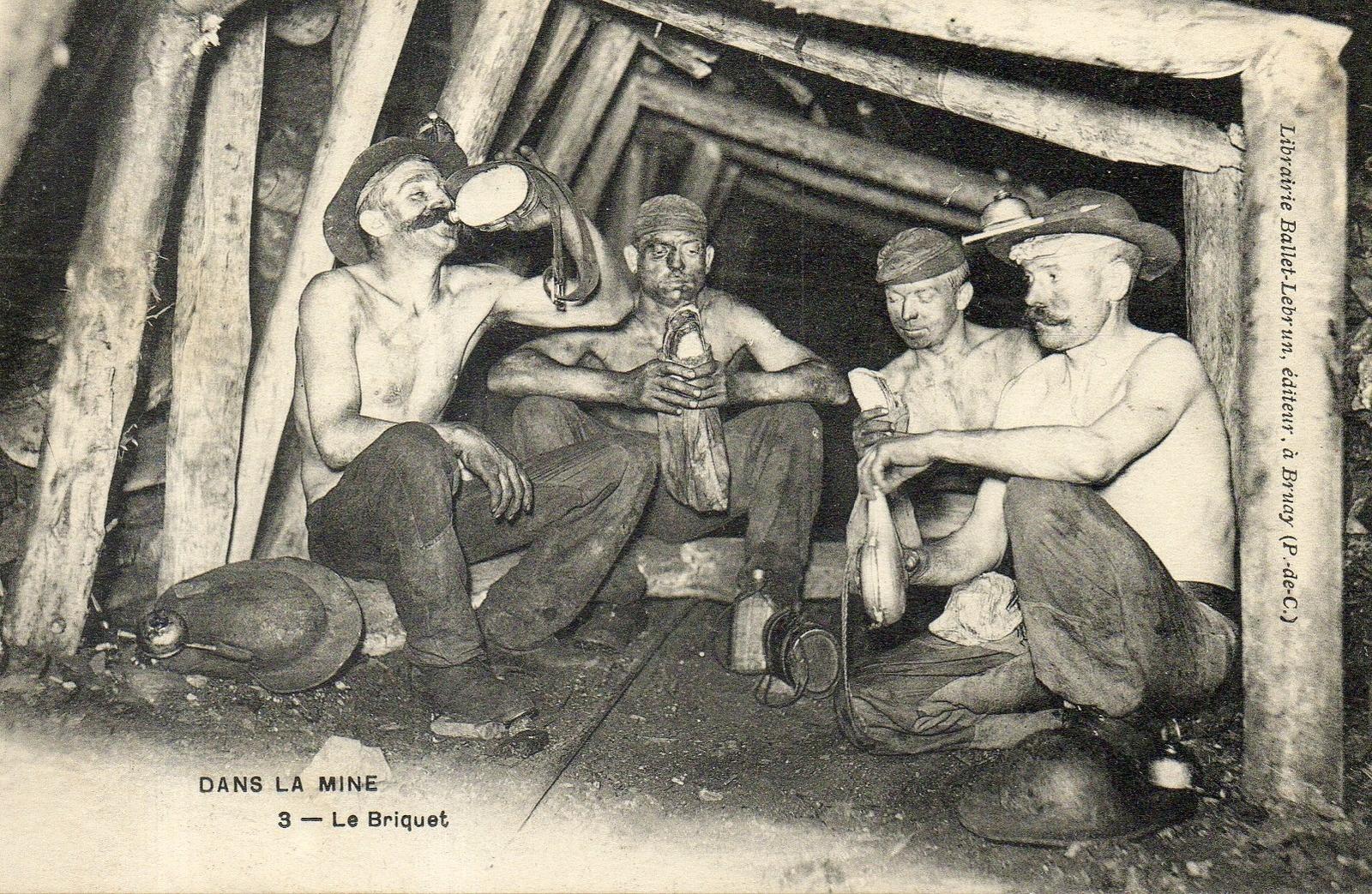 Bruay-la-Buissière -  bruay mineur de fond le briquet (repas du mineur )