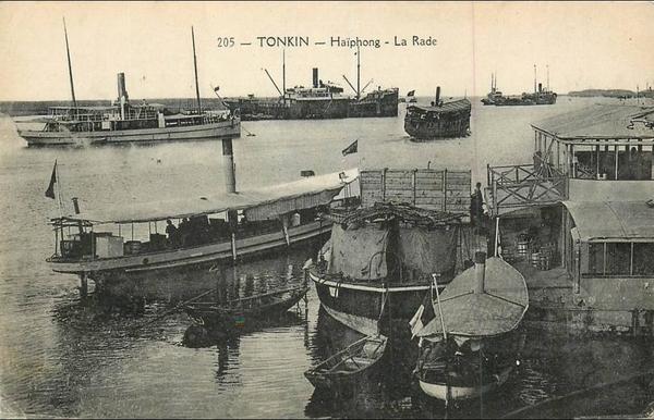 Haïphong - VIET NAM . TONKIN . HAÏPHONG . LA RADE . ANIMEE .