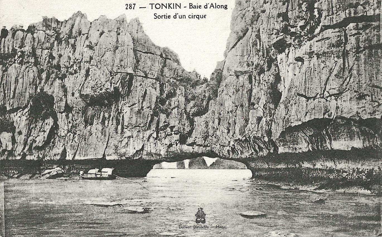 -  Tonkin-Baie d'Along-Sortie d'un cirque